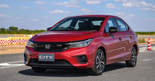 Top 10 ô tô bán chạy nhất tháng 6/2020: Honda City lần đầu lên đỉnh, VinFast Lux A2.0 rời bảng xếp hạng