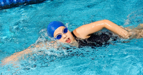 Bơi lội có thể dễ dàng đốt cháy một lượng lớn calo giúp cơ thể giảm mỡ thừa, nhưng có hiệu quả hơn chạy bộ hay đi xe đạp hay không?
