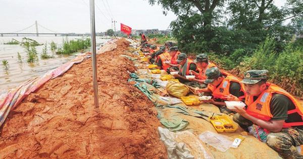 Trung Quốc lộ điểm yếu trong lũ lụt: Mưa lớn chỉ là bài kiểm tra nhẹ, ''ác mộng'' thật sự sắp bắt đầu