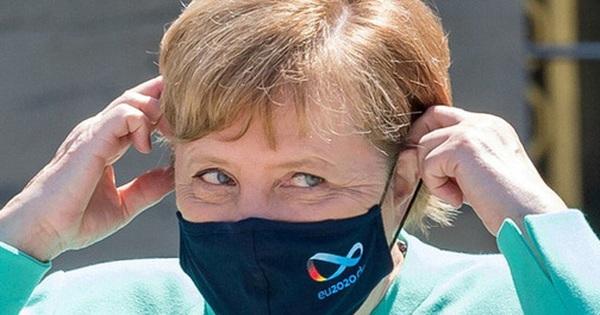 Mặc tương lai mơ hồ của đảng cầm quyền Đức, Thủ tướng Merkel trở lại ''huy hoàng'' trong vai trò nhà lãnh đạo khủng hoảng