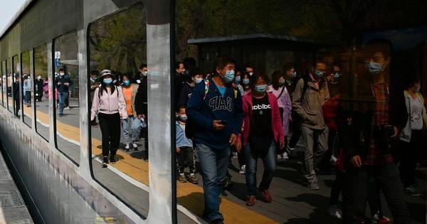 Người dân Bắc Kinh bắt đầu ồ ạt rời khỏi thành phố