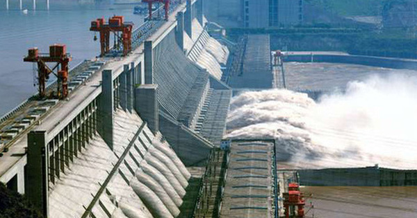 Bên trong đập Tam Hiệp - con đập thủy điện lớn nhất...
