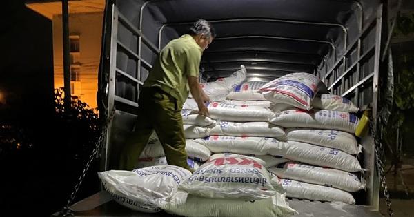 Tạm giữ 4.000kg đường cát Thái Lan không có hóa đơn, chứng từ