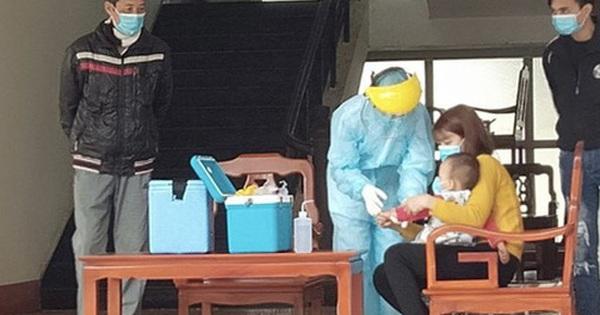 Những hình ảnh bác sĩ ''3 cùng'' ăn-ở-chống dịch Covid-19 tại tâm dịch Sơn Lôi