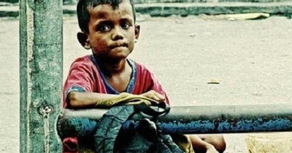 Lấy quà định cho đứa trẻ nghèo, chàng trai liền bị bạn ngăn cản và trách mắng: Lý do cảnh tỉnh nhiều người tốt bụng