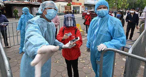 """Từ ''bài học đắt giá'' ở BV Bạch Mai: Một loạt bệnh viện đã dựng """"vành đai"""" chống dịch xâm nhập như thế nào?"""