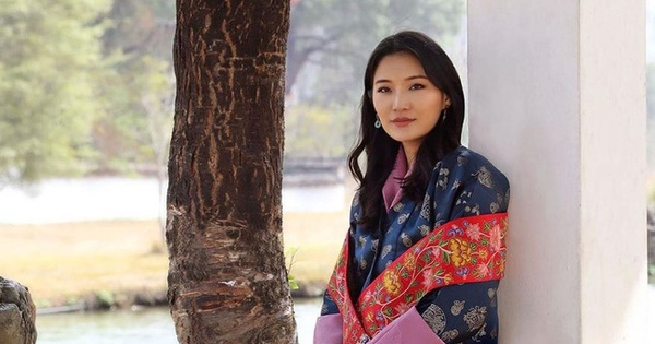 Hoàng hậu ''vạn người mê'' Bhutan đón tuổi mới chỉ bằng một tấm hình nhưng cũng đủ khiến hàng triệu người xốn xang vì quá hoàn mỹ