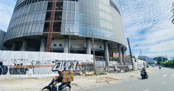 Cận cảnh cao ốc ''đắp chiếu'', làm xấu bộ mặt trung tâm Sài Gòn