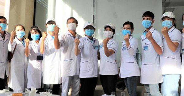 58 ''chiến binh'' áo blouse trắng của Hải Phòng, Bình Định có mặt tại tâm dịch Đà Nẵng: ''Chúng tôi đã sẵn sàng!''