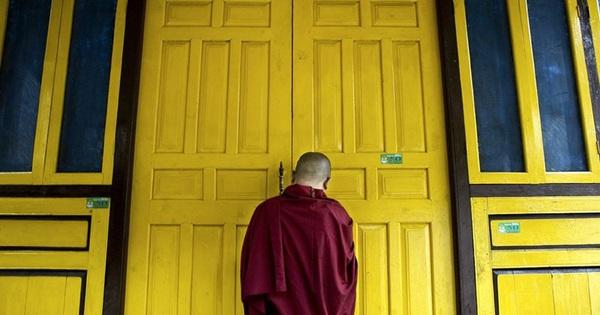 3 bài học ''khắc cốt ghi tâm'' của nhà sư thân tín Đức Đại Lai Lạt Ma: Áp dụng để có một cuộc đời an nhiên, hạnh phúc