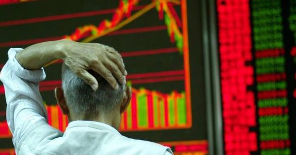 ''Lướt sóng'' thất bại, nhà đầu tư Trung Quốc nháo nhào thanh lý báu vật gia truyền, nhẫn đính hôn để bù lỗ