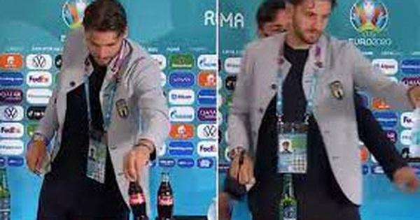 ''Đu trend'' Ronaldo, ngôi sao xuất sắc nhất trận Ý - Thụy Sĩ cũng gạt bỏ chai Coca-Cola ra khỏi bàn họp báo