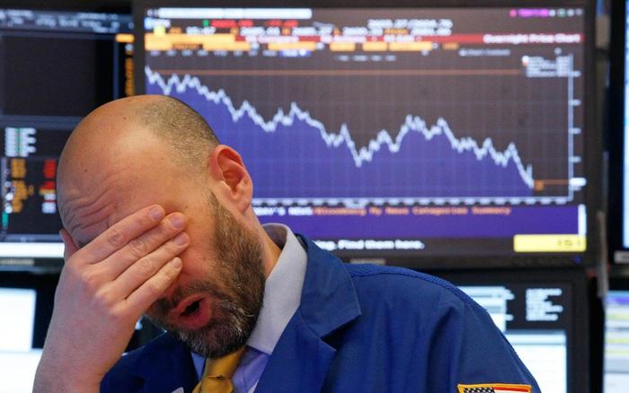 Giá dầu tiếp tục lao dốc 'không phanh', Dow Jones mất hơn 1.200 điểm sau 2  phiên giảm liên tiếp