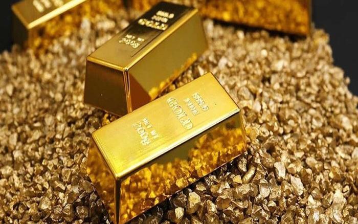Thị trường ngày 23⁄7: Giá vàng tiếp tục leo dốc, dầu quay đầu giảm do căng thẳng Mỹ - Trung leo...