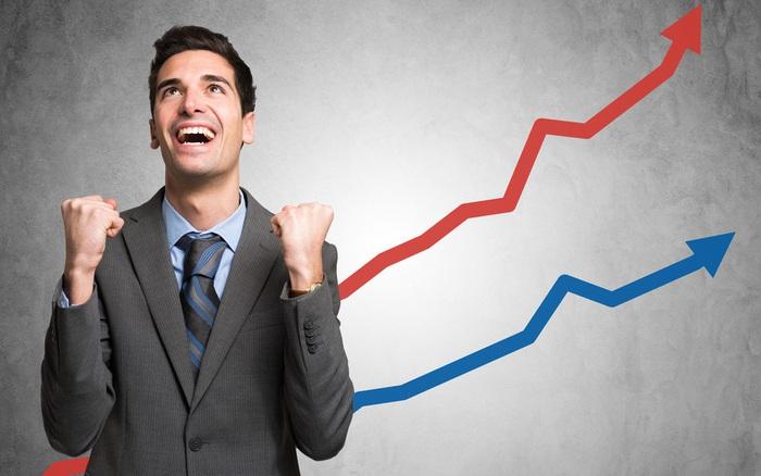 """KIS: """"Lãi suất tiết kiệm thấp giúp định giá cổ phiếu cao hơn, VN-Index có thể cán mốc 1.000 điểm..."""