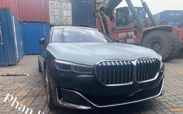 BMW 750Li 2020 đầu tiên về Việt Nam với nội thất siêu độc, dân tình đoán giá phải trên 10 tỷ đồng