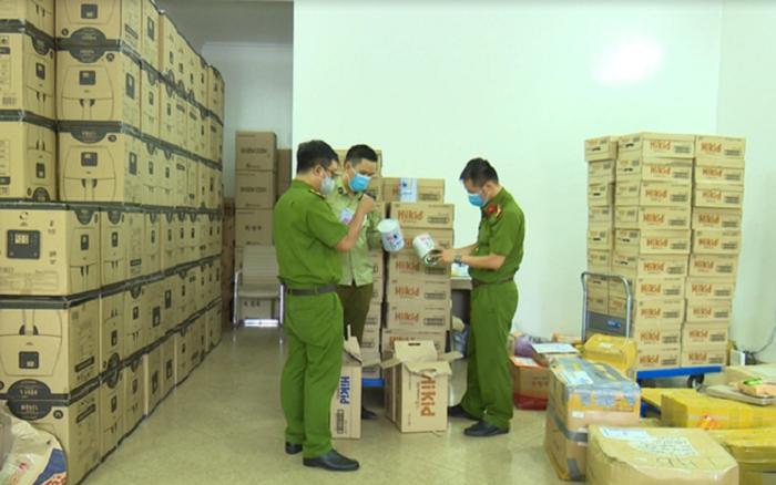 Hà Nội: Phát hiện hàng nghìn hộp sữa Hàn Quốc nghi nhập lậu