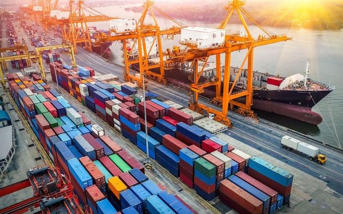 Tình trạng thiếu hụt container và giá thuê tăng