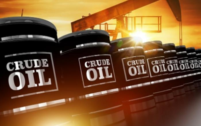 Giá dầu tăng vọt gần 4%