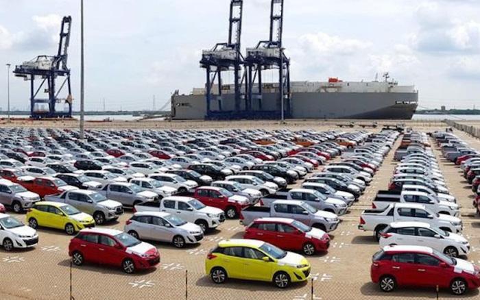 """Xe giá rẻ từ Indonesia, Thái Lan """"ùn ùn"""" trở lại thị trường sau Tết"""