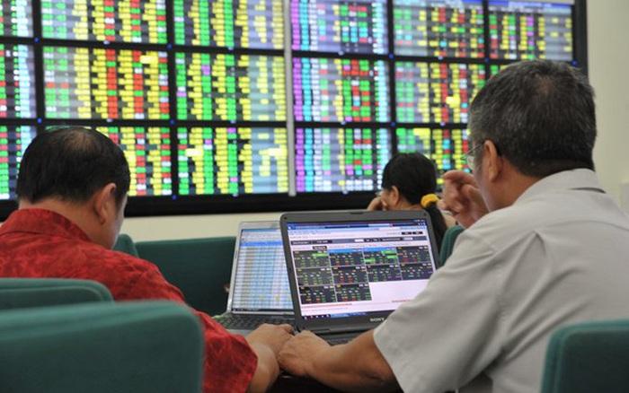 """Nhà đầu tư đang để sẵn 65.000 tỷ đồng """"nằm chờ"""" tại các Công ty chứng khoán vào cuối quý 1"""