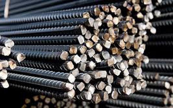 Hoạt động xây dựng và sản xuất kích thích nhu cầu thép Trung Quốc tăng mạnh, giá tăng phi mã