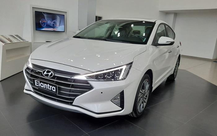 Hyundai Elantra, Kona giảm giá 15-40 triệu tại Việt Nam