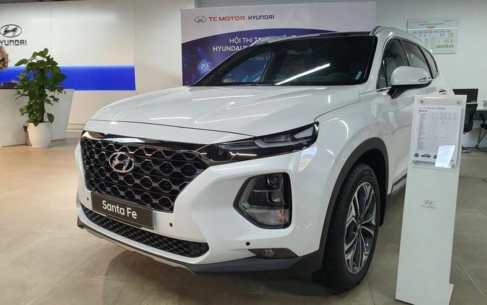 Thanh lý hàng tồn, Hyundai Santa Fe 'form' cũ giảm cao nhất 140 triệu đồng tại đại lý