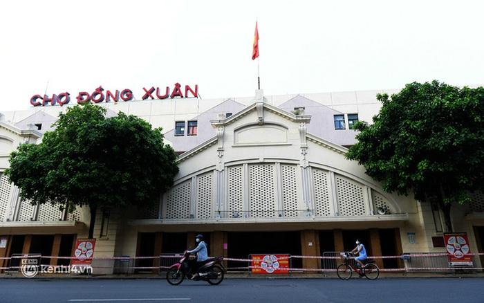 Hà Nội: Chợ Đồng Xuân im lìm khác lạ, hơn 2.100 gian hàng tạm đóng cửa