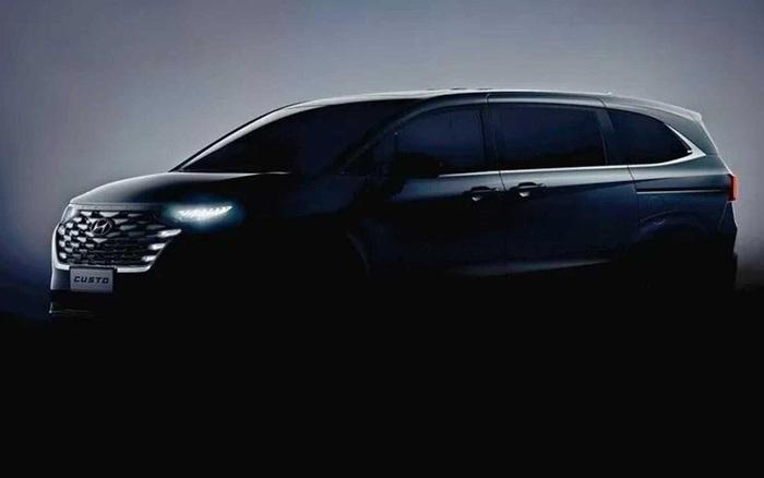 Hyundai Custo lộ diện – MPV lạ mắt trong hình hài Tucson